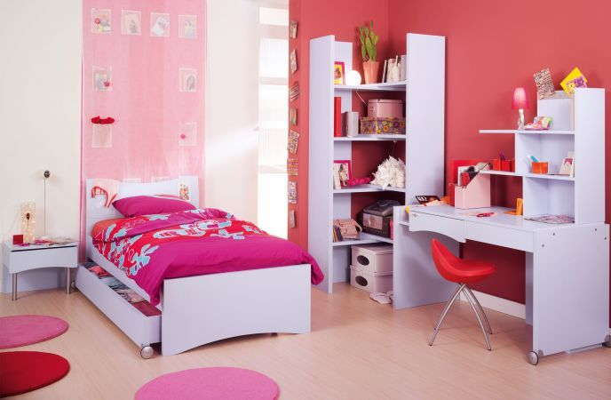 chambre a coucher pour petite fille. Black Bedroom Furniture Sets. Home Design Ideas